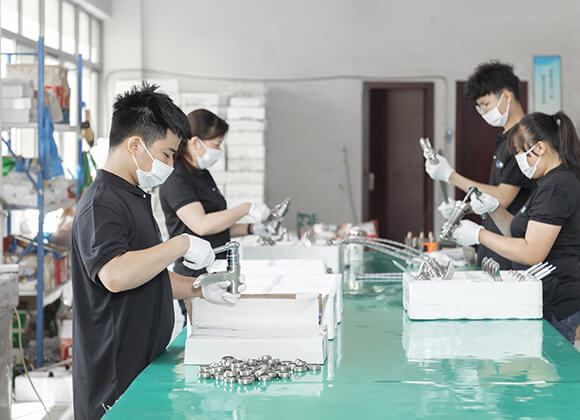 faucet manufacturing in factory